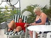 BBW dykes amusing with dildo