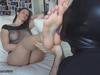 Scarlett uses her Foot Domination