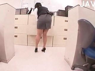 Sexy Babe Is In the Office