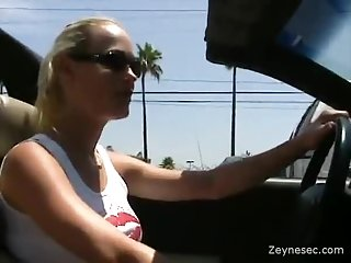 Blonde girl gets her shawed pussy stuffing | Big Boobs Update